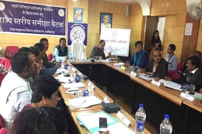 Khabar East:Adolescent-girls-and-women-living-in-urban-slums-will-be-digitally-literate