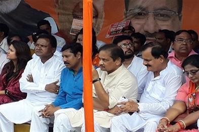 Khabar East:BJP-stages-stir-before-Raj-Bhavan-against-BJD-Govt