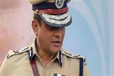 Khabar East:CBI-raids-five-targets-in-search-of-former-police-commissioner-Rajiv-Kumar