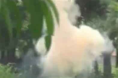 Khabar East:Congress-TMC-supporters-clash-in-Murshidabad-death-of-a-voter-standing-in-line