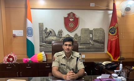 Khabar East:DCP-Pratik-Singh--30-platoon-police-force-to-be-deployed-in-Cuttack-for-Durga-Puja