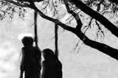 Khabar East:Dead-body-of-two-minors-found-hanging-from-tree-fear-of-suicide-in-love-affair