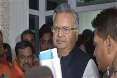 Khabar East:Dr-Raman-Singh-filled-the-nomination-from-Rajnandgaon-in-the-presence-of-Yogi-Adityanath