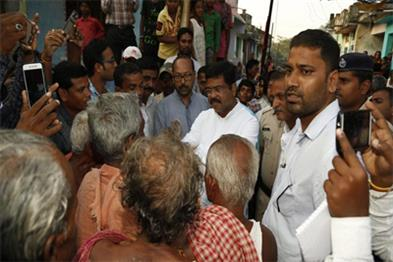 Khabar East:Except-ego-everyone-should-come-forward-to-help-the-cyclone-and-flood-victims-Dharmendra-Pradhan