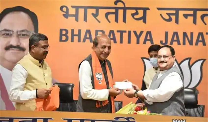 Khabar East:Former-TMC-MP-Dinesh-Trivedi-joins-BJP