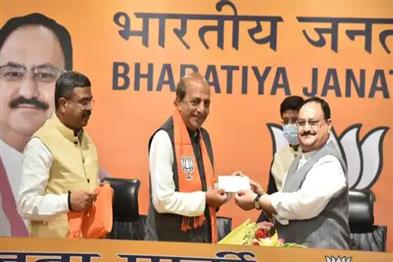 Khabar East:Former-TMC-MP-Dinesh-Trivedi-joins-BJP