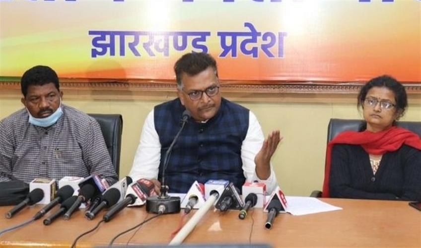 Khabar East:Government-of-Jharkhand-busy-in-transfer-industry-and-honeymoon-period-BJP