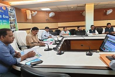 Khabar East:Hearing-of-18-cases-in-the-weekly-review-meeting-of-CM-mass-democracy