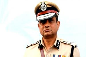 Khabar East:Hearing-on-July-17-on-the-petition-of-former-Kolkata-Police-Commissioner-Rajiv-Kumar