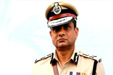 Khabar East:Hearing-on-July-17-on-the-petition-of-former-Kolkata-Police-Commissioner-Rajiv-Kumar