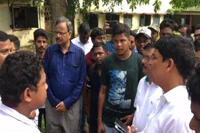 Khabar East:Higher-Education-Minister-visits-Utkal-University-talks-to-students