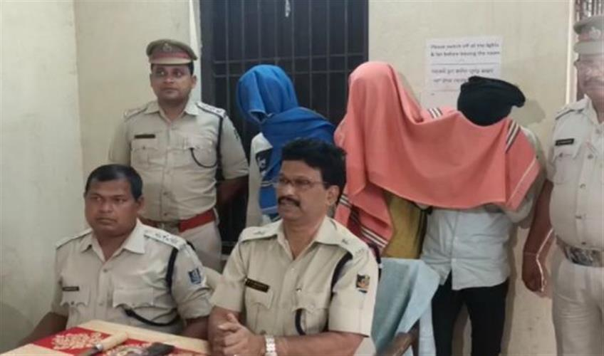 Khabar East:Highway-robber-gang-busted-five-arrested-including-two-minors