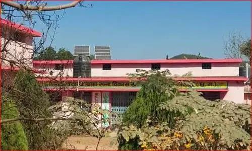 Khabar East:Hostel-wardens-son-tried-to-rape-teenagers