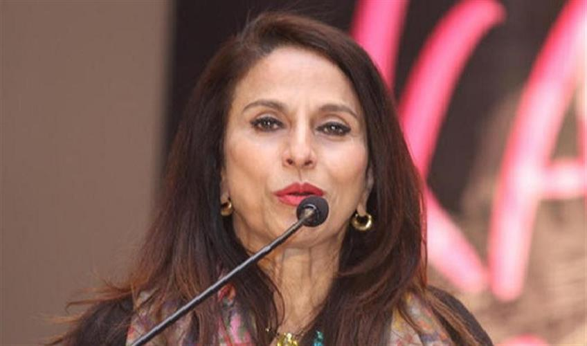 Khabar East:I-do-not-prejudice-the-book-on-the-basis-of-the-gender-of-the-author-Shobhaa-De