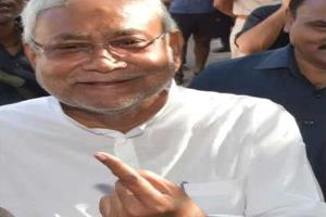 Khabar East:Nitish-voted-said-Long-term-election-process-is-not-correct