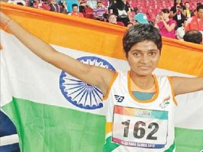 Khabar East:Odiya-daughter-Jayanti-reminisces-the-medal-in-the-Para-Asian-Games-bags-silver-in-the-400-meter-race