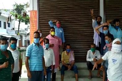Khabar East:People-troubled-by-water-logging-in-Muzaffarpur-corporation-workers-taken-hostage