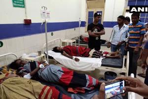 Khabar East:Pick-up-van-carrying-30-women-laborers-20-injured