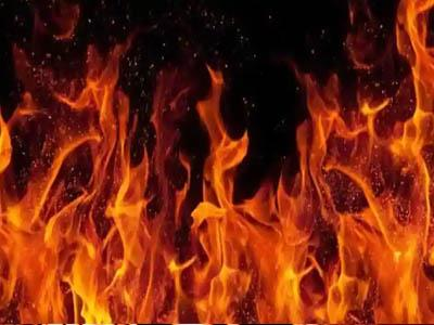 Khabar East:Suspicion-to-the-wife-on-her-husband-first-burnt-with-sword-and-then-burnt-alive