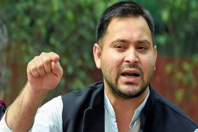 Khabar East:Tejashwi-hit-back-at-Nitish---why-inexperienced-party-put-me-behind