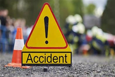 Khabar East:Ten-injured-in-collision-of-two-private-buses