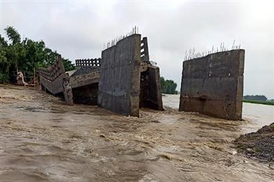 Khabar East:The-bridge-was-washed-away-before-inauguration-villagers-accused-of-negligence-in-construction