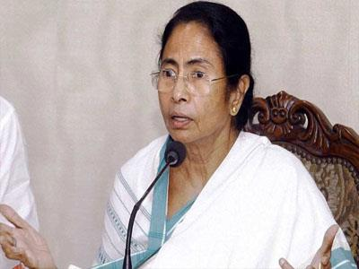 Khabar East:The-tragedy-that-demolishes-the-economy-of-the-country-is-the-ban-Mamta-Banerjee