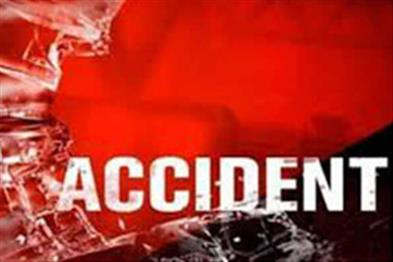Khabar East:Three-Biharias-killed-five-wounded-in-collision-between-trucks-and-bullets