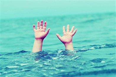 Khabar East:Three-year-old-girl-drown-at-Sangam-site