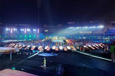 Khabar East:Todays-inauguration-ceremony-of-the-Hockey-World-Cup-many-stars-including-Shahrukh-Madhuri