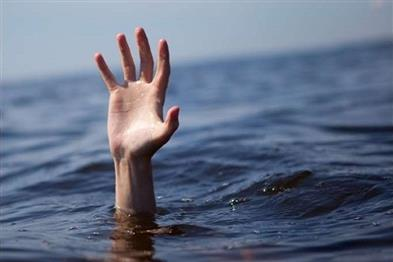 Khabar East:Two-friends-who-went-to-picnic-died-due-to-drowning-in-the-lake