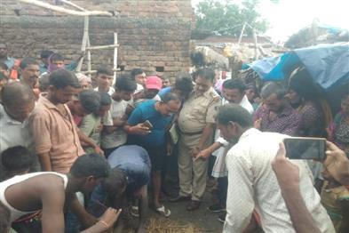 Khabar East:Two-girls-killed-two-women-injured-after-earthen-wall-collapses-in-Jehanabad