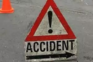 Khabar East:Two-people-killed-five-injured-in-pick-up-van-overturn