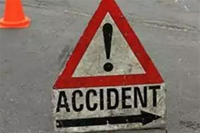 Khabar East:Two-people-killed-five-injured-in-pick-up-van-overturn