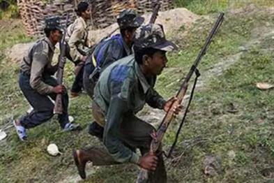 Khabar East:Two-prize-naxalite-stacks-one-arrested-in-a-half-hour-encounter