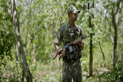 Khabar East:Two-soldiers-injured-one-Naxalite-killed-in-IED-blast-of-Naxalites-in-Bijapur