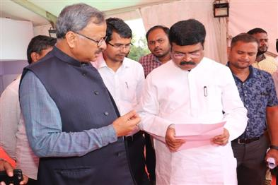 Khabar East:Union-Minister-Pradhan-reviews-preparations-ahead-of-Presidents-visit