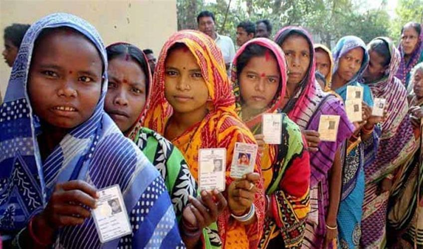 Khabar East:Womens-hold-key-to-from-new-government-in-Odisha-Parties-open-their-box-for-women