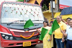 Khabar East:Womens-special-city-bus-started-in-the-capital-Ranchi-happiness-seen-in-women