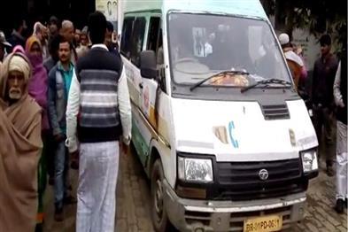 Khabar East:teacher-death-during-human-chain-in-darbhanga-dm-said-death-by-heart-attack